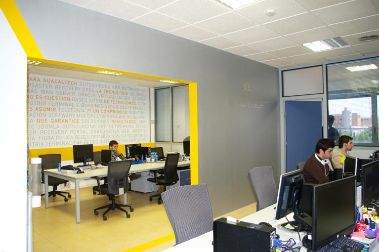 Señalización y rotulación de oficina