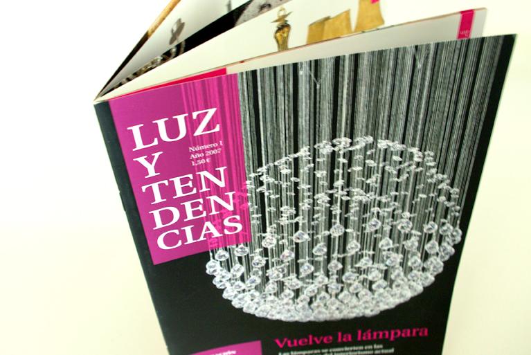 Diseño de revista corporativa Luz y Tendencias para Mundilamp