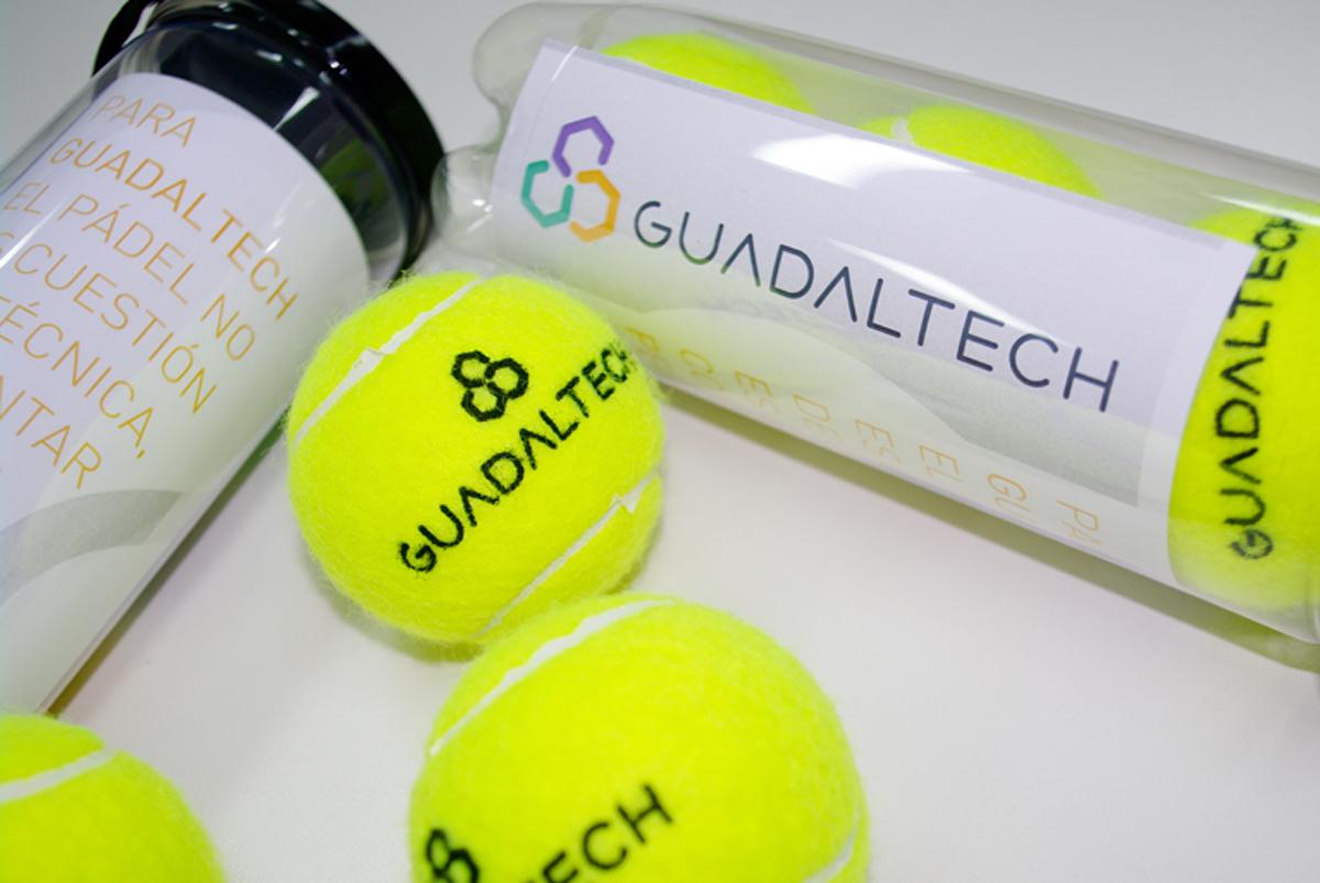 02_pelotas_personalizadas_padel_guadaltech_agudiza_ingenio_diseno_publicidad_sevilla
