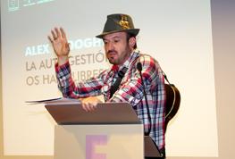 Organización de eventos. Alex O'dogherty durante los II Premios Andalucía Emprende